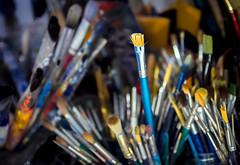 Atelier (thewhitewolf72) Tags: knstler maler atelier werkstatt friedrichshagen pinsel farbe bunt eimer kpenick malen acryl benutzt dunkel