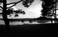 Kernavė, 2 (Vygintas R.) Tags: trees summer people bw film river landscape cosina voigtlander july 35mmfilm 2008 bessal kodaktmax400 lithuania lietuva neris kernave nikoncoolscan5000 kernavė литва voigtlanderheliar15mmf45 gyvosiosarcheologijosdienos 897208