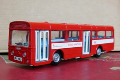 RED ARROW Single Decker Bus (Dinky Toys) (xavnco2) Tags: red bus rouge models merlin british autobus 172 madeinengland diecast jouets redarrow aec anciens dinkytoys singledecker modlesrduits