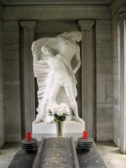 zale_tomb1 (Wiebke) Tags: ljubljana slovenia europe vacationphotos travel travelphotos ale alecentralcemetery cemetery centralnopokopalieale pokopalie beigrad bezigrad