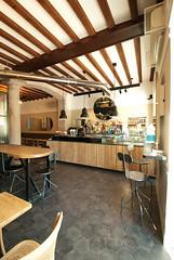 _DSC1254 (fdpdesign) Tags: arredamenti shop design shopdesign nikon d800 milano italy arrdo italia 2016 legno wood ferro sedie tavoli locali cocktails bar interni architettura