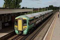 Southern Railway 377 431 (Bristol MW Driver) Tags: southernrailway canoneos1ds portchester station