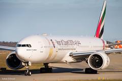 Emirates / Boeing 777-300ER / A6-EQH (schmidli123) Tags: emirates flyemirates a6eqh yearofzayed boeing boeinglovers 777 sunset ge90 generalelectric
