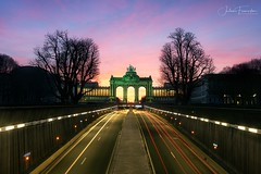 Parc du Cinquantenaire, Bruxelles (www.fromentinjulien.com) Tags: fromus75 fromus fromentinjulien fromentin flickr view exposure shot hdr dri manual blending digital raw photography photo art photoshop lightroom photomatix french francais light traitements effets effects world europe belgique belge belgium brussels bruxelles parisien parisian capitale capital ville city town città cuida colocación monument history 2019 photographe photographer eos canon fullframe full frame ff urban travel architecture cityscape 5d 5dmarkiv 5d4 2470 2470mm sunset lightstream cinquantenaire arcades parc park sunrise