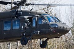 ARMY 20454 (Kaiserjp) Tags: usarmy blackhawk helicopter military avgeek puyallup grayaaf kplu formation taxi backlit uh60 h60 uh60m