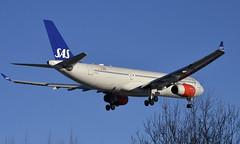 SAS LN-RKN, OSL ENGM Gardermoen (Inger Bjørndal Foss) Tags: lnrkn sas scandinavian airbus a330 osl engm gardermoen