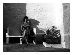 buscando el equilibrio/looking for balance (Luis kBAU) Tags: portrait retrato sombras