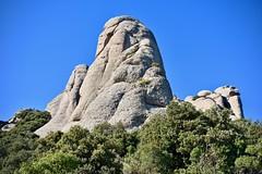 El Serrat de la Mòmia (Xevi V) Tags: mòmia lamòmia serratdelamòmia montserrat trinitats isiplou llocsambencant serraladaprelitoralcatalana rocks roques monòlits catalunya catalonia