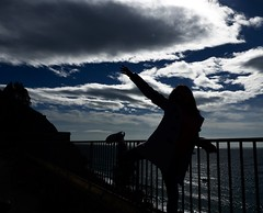 With your feet in the air and your head on ground...⛅ (Barbi-turici) Tags: sky contrasto clouds nuvole cielo