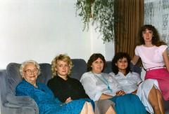207_Darren1987 (wrightfamilyarchive) Tags: dorothy holeman sue dashfield hilary wright debbie batstone linda 1987 1980s 80s eighties