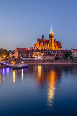 Tumski island at blue hour (Vagelis Pikoulas) Tags: wroclaw europe poland tokina 2470mm long exposure blue hour canon 6d reflection reflections colors colour view river light lights lightroom may spring 2018