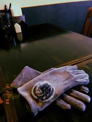 Bopbox. gloves. Georgetown. (Lola Cde) Tags: cafe gloves accessory grey gray blackwhite salt pepper