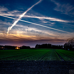 sundown and lines (MAICN) Tags: square quadratisch landscape landschaft lines nature sonnenuntergang sundown sky himmel linien wolken natur clouds