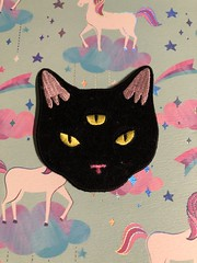Three eyed cat patch #loungefly #cute #goth #patch #cat #threeeyes #hottopic (direngrey037) Tags: loungefly cute goth patch cat threeeyes hottopic
