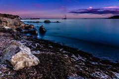 En calma (MTorresTortosa) Tags: algeciras cádiz estrecho largaexposición mar sea andalucía españa spain longexposure nubes clouds olas waves