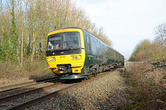 GWR 165120, Yate (sgp_rail) Tags: yate cranleigh court road foot crossing train trainspotting rail railway nikon d7000 track frome valley walkway south glos gloucestershire class 165 165120 turbo gwr multiple unit dmu great western