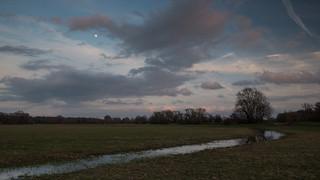 Moonrise Hemingford Grey