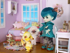 A Dragon's Babysitter #7 (Arthoniel) Tags: wyrm daisuke howl latiyellow latidoll lati doll bjd balljointeddoll aileendoll dollzone heavyrain ram sheep dragon shy haru green resin rare peterpan pico diorama dollhouse roombox collection rement miniature tiny keera nereapozo wood magic