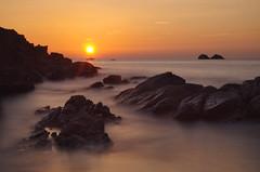 Pors Péron (Tjaldur66) Tags: poullansurmer finistère france brittany bretagne sea seashore rocks sunset evening eveninglight eveningmood porspéron summer longtimeexposure water