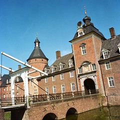 Anholt (Peter Gutierrez) Tags: photo photograph photography film europe european germany german deutschland deutsch north rhinewestphalia nordrheinwestfalen borken isselburg anholt salmsalm wasserburg water castle stone bridge moat building old peter gutierrez petergutierrez