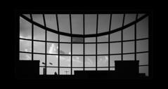Find the zeppelin (MR@tter) Tags: köln cologne sw bw photokina sigma1770 messehalle zeppelin window 21