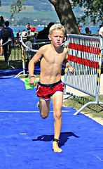 Fit and fast (Cavabienmerci) Tags: kids triathlon 2018 yverdon les bains switzerland suisse schweiz kid child children boy boys run race runner runners lauf laufen läufer course à pied sport sports running triathlete
