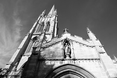 louth minster sooc (Mallybee) Tags: louth church minster sooc fuji fujifilm xt100 mallybee bw blackwhite sky spire statue apsc bayer jpg lincolnshire 1545mm f3556 fujinon xmount ois pz zoom xc