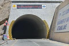 Pakistan China Friendship Tunnel N°3 - Un des tunnels de contournement du lac d'Attabad © Bernard Grua (Photos de voyages, d'expéditions et de reportages) Tags: gojal bernardgrua karakoram gilgitbaltistan hunza