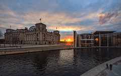 Reichstag / Paul-Löbe-Haus - Sunset (Light Levels Photoworks) Tags: architecture architektur allemagne adventure atmosphere berlin berliner city cityscape clouds citylights deutschland europe earth fluss germany hdr landscape landschaft lights moment mitte nikon nikkor outdoor perspectives paysage photography perspektive river stadt street sunset sonnenuntergang spree time urban ufer view viewpoints ville world wetter wolken wideangle weather