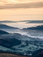 Morning mist (Stephen Elliott Photography) Tags: peakdistrict derbyshire hopevalley hathersage dawn morning sunrise inversion mist olympus em1 12100mm kase filters winter