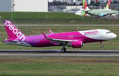 Peach Airbus A320-214(SL) F-WWDR (JA824P) / TLS (RuWe71) Tags: peachaviationlimited peach mmapj airpeach japan nippon osaka airbus airbusa320 a320 a320200 a320214 a320214wl a320214sl airbusa320200 airbusa320214 airbusa320214wl airbusa320214sl fwwdr msn8835 ja824p toulouseblagnac toulouseblagnacairport toulouse blagnac aéroportdetoulouse aéroporttoulouseblagnac tls lfbo twinjet narrowbody runway landing winglets sharklets