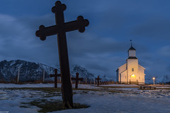 Gimsoy church (zora_schaf) Tags: langzeitbelichtung longexposure blauestunde bluehour kreuz kirche church gimsoy lofoten zoraschaf