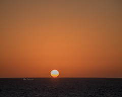When the evening sun kisses the earth (katrinchen59) Tags: sun sunset sundown sky caribbean sea travel nature skyphotography sunsetphotography eveningsky sonne sonnenuntrgang abendhimmel reise natur zon zonsondergang avondlucht reizen natuur horizon horizont