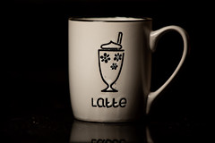 latte fun! (Derek Rodrigues Photography) Tags: coffee bar shop latte product photography productphotography cups light flash commercial nikond750 life drinks mugs