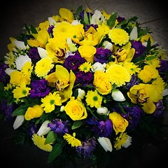 Another beautiful posy tribute. This time we included a mixture of bright yellow and bold purples. The roses, orchids and tulips really do sit beautifully together . . #parsleyandsageflorist #stokeontrent #roses🌹 #rose #orchidsofinstagram #orchids #o (parsleyandsage11) Tags: orchidsofinstagram floraldesign flowerstagram shoplocal flowerdaily florals inspiredbypetals supportsmallbusiness floralfix florwerstagram orchids flowersofinstagram awesomeflorals tulips flowerbeauties parsleyandsageflorist instapic rose orchidlove stokeontrent roses