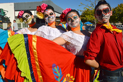 Lining up for the shot (radargeek) Tags: dayofthedead 2018 october plazadistrict okc oklahomacity dancediversity facepaint catrina flowers portrait skeleton