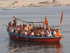 VARANASI - Boat full of pilgrim (sharko333) Tags: travel reise voyage asia asien asie india indien uttarpradesh वाराणसी varanasi benares kashi hinduisme portrait people man woman olympus em1