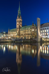 Rathaus von Hamburg (olafthiel-photography) Tags: cityscape skyline city architecture water reflections building hamburg sony sonyalpha a6000 lowlight germany