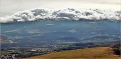 POR EL ALTO CAMPOO (Angelines3) Tags: nubes nwn naturaleza martesdenubes montañas valles paisaje cantabria altocampoo