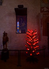 IMGP4813 Candlelight (Claudio e Lucia Images around the world) Tags: milano church abbey sancristoforo oldchurch interiors candles lowlight pentax pentaxk3ii sigma sigma1020 pittura muro naviglio navigliogrande pentaxart sigmalens sigmaart reflections lights shadows rayoflight