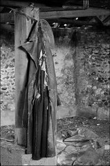_DSC2595 (andy.sheppard) Tags: nikon d2x pentaxtakumar35mmf35 norfolk shammer barn coat abandoned forgotten