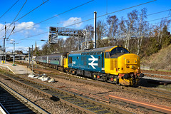 37407 + 37423 - Norwich - 09/03/19. (TRphotography04) Tags: br large logo direct rail services 37407 37423 spirit lakes arrive norwich topntailing 2p21 1317 great yarmouth service