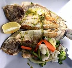 Visje eten in Marbella . (Franc Le Blanc .) Tags: marbella spain diner food fish