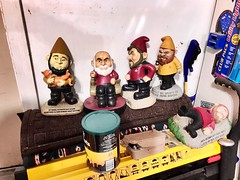 2019 081/365 3/22/2019 FRIDAY - The wife's Star Trek gnomes are waiting for spring. (_BuBBy_) Tags: wife's thingeek spring for waiting wait garden lawn gnomes trek star 365days friday 081365 365 081 2019