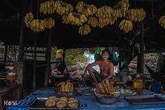 Cambogia - Fruttivendolo (iw2ijz) Tags: reglex nikon d500 cambodia cambogia mercato bancarelle people person persone parconazionale phnomkulennationalpark fruit frutta