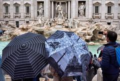 Impossible... (RS...) Tags: rome roma fontanaditrevi fontaine trevi parapluies umbrellas pluie rain d7200