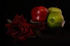 Still life (licenza2243) Tags: stilllife grapes uva dark
