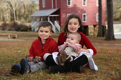 2018-12-23 16.07.37 (whiteknuckled) Tags: christmas fayetteville smiths family trip 2018 jackson lily joshua portraits photos starrs mill