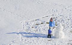 019Jan 29: Mother, Child and Snowman (Johan Pipet 2M+ views) Tags: flickr sneh zima winter outdoor vonku snehuliak child dieťa kid white sunny moment dubravka psrk bratislava slovakia slovensko eu europe palo bartos bartoš canon d400 snowman mother baby