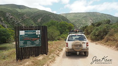 Welcome To The Baviaanskloof (Jan-Krux Photography) Tags: baviaanskloof worldheritagesite 4x4 jeep cherokee sport 37l liberty offroad unpaved gravel unbefestigt easterncape ostkap southafrica suedafrika afrika africa travel reisen adventure abenteuer berge mountins nature natur olympus omd em1 thule roofbasket canyonxt